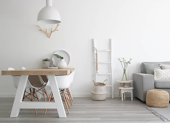 5 Beautiful Scandinavian home designs | Scandinavian design is centred on minimalism, and most often than not, include a number of wood pieces. Here, we are going to show you some beautiful Scandinavian home designs that fit the conventional idea of what is means to have a Scandinavian design, but also some special ones to show you how to mix things up!