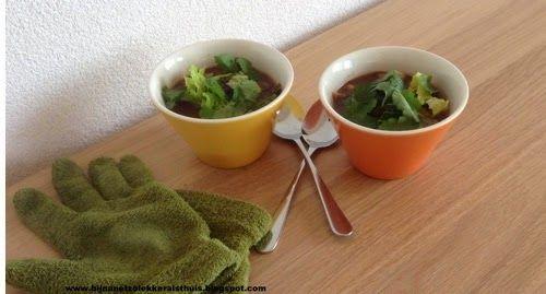 Mexicaanse zwarte bonensoep met mais en groene kool - bijnanetzolekkeralsthuis.nl