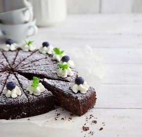 Tästä helposta ja mehevästä kakusta ei kukaan voi olla pitämättä.