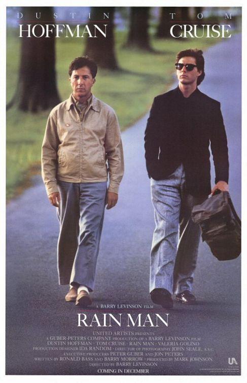 """""""Rain Man"""" Estapelícula da vueltas alrededor de un sabio autista y su hermano inmaduro está lejos de ser perfecta, pero la dirección de Barry Levinson es impresionante, y buenas actuaciones de Tom Cruise y Dustin Hoffman ."""