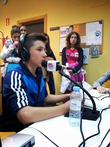 FREE - CENTRO CÍVICO CASETAS - CONCIERTO - RADIO SANZ BRIZ - Jesús Gaya director del Kanguro, el programa musical de Radio Sanz Briz (La radio Escolar y Juvenil de Zaragoza-Casetas)