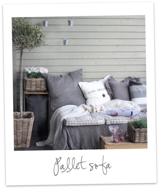 Love this pallet sofa and this website as LOTS of ideas