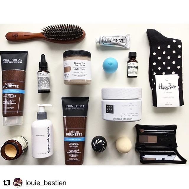 #Repost What a wonderful #flatlay 💯 thank you @louie_bastien for featuring our PHYTO Recovery Oil in your essentials 🔝