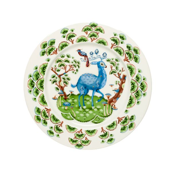 Satumetsä plate by Iittala. Illustration by Klaus Haapaniemi.