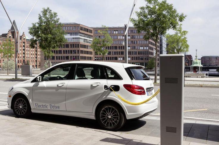 Mercedes met fin au Classe B électrique, BYD se lance dans les batteries : l'essentiel de l'actu de ce vendredi