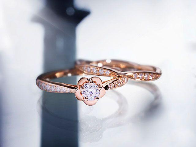 ピンクゴールドが花嫁を優美に彩るシャネルカメリア コレクションの新作