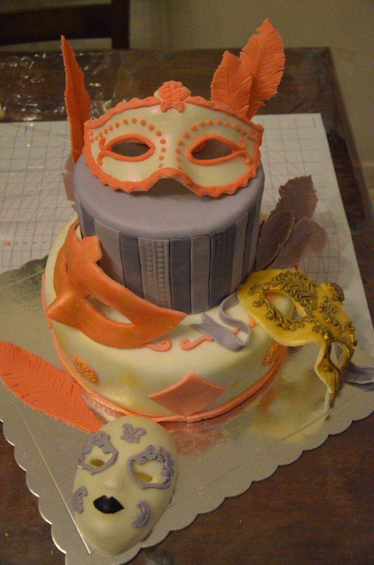 Η τούρτα της Κατερίνας μας!! Βενετσιάνικες μάσκες και φτερά!! Και από γεύση τέλεια!! Katerina's birthday cake!! Venetian masks and feathers!!! And it was delicious!!