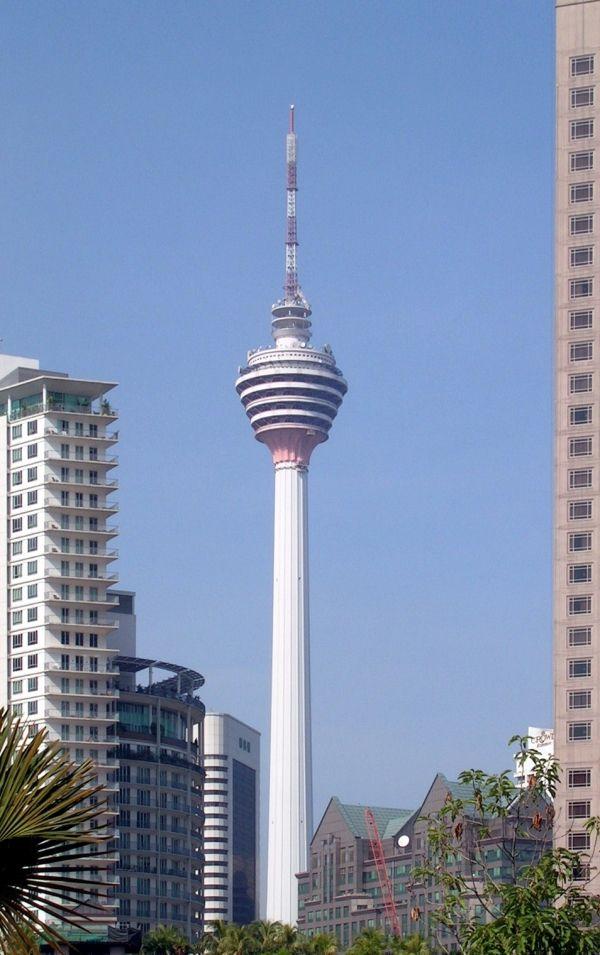 Менара Куала-Лумпур (421м, Куара-Лумпур, Малайзия)