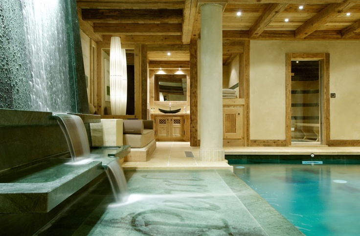 Waterfall into the pool at Chalet Pearl — Courchevel