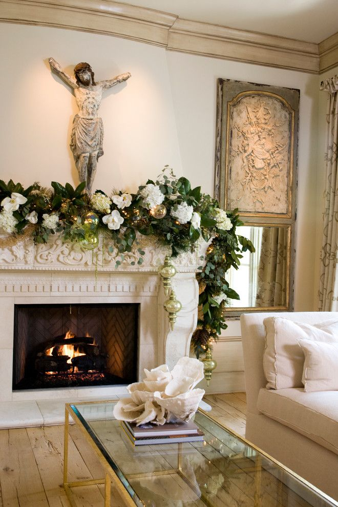 112 best images about christmas garlands on pinterest for Christmas mantel design ideas
