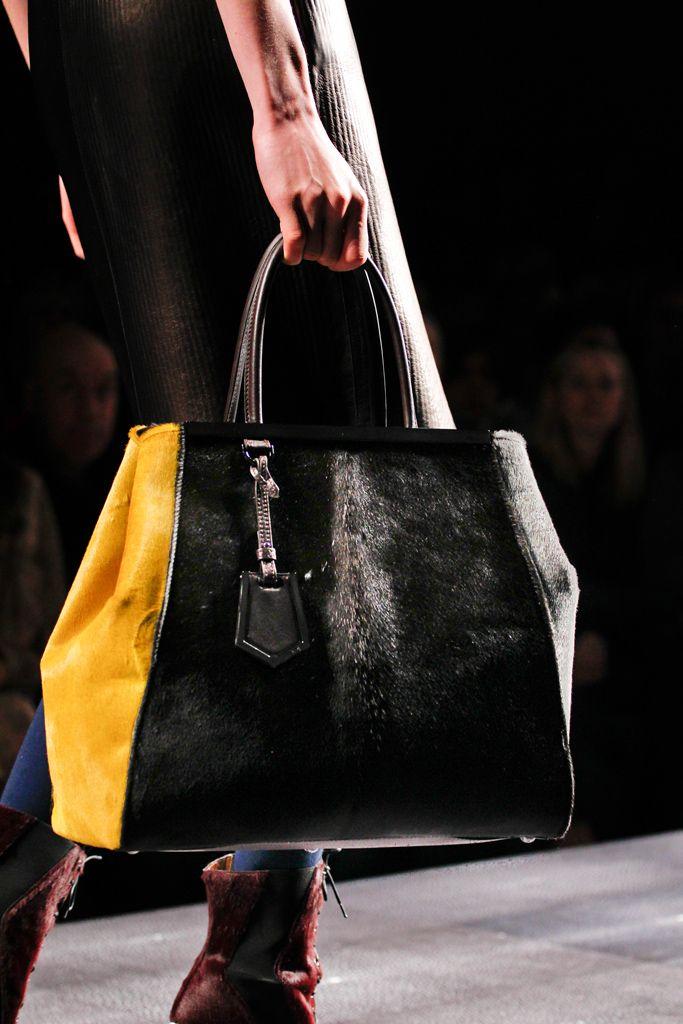 #Fendi Fall 2012 Ready-to-Wear Collection  #Handbags: Coaches Handbags, Chanel Handbags, Hermes Bags, Design Handbags, Burberry Handbags, Coaches Pur, Louis Vuitton Handbags, Lv Bags, Lv Handbags