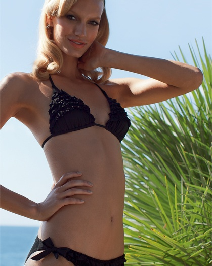 #Costumi #Bikini #estate2012 by #SiSi   Reggiseno Sierra, 27,90€   Slip Thrill, 19,90€  nero/black
