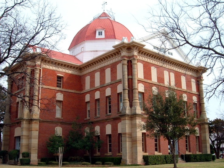 Clay County courthouse in Henrietta, Texas