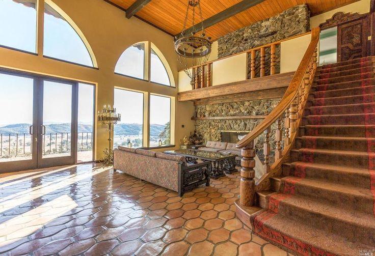 Best 20 mediterranean living rooms ideas on pinterest for Mediterranean flooring ideas