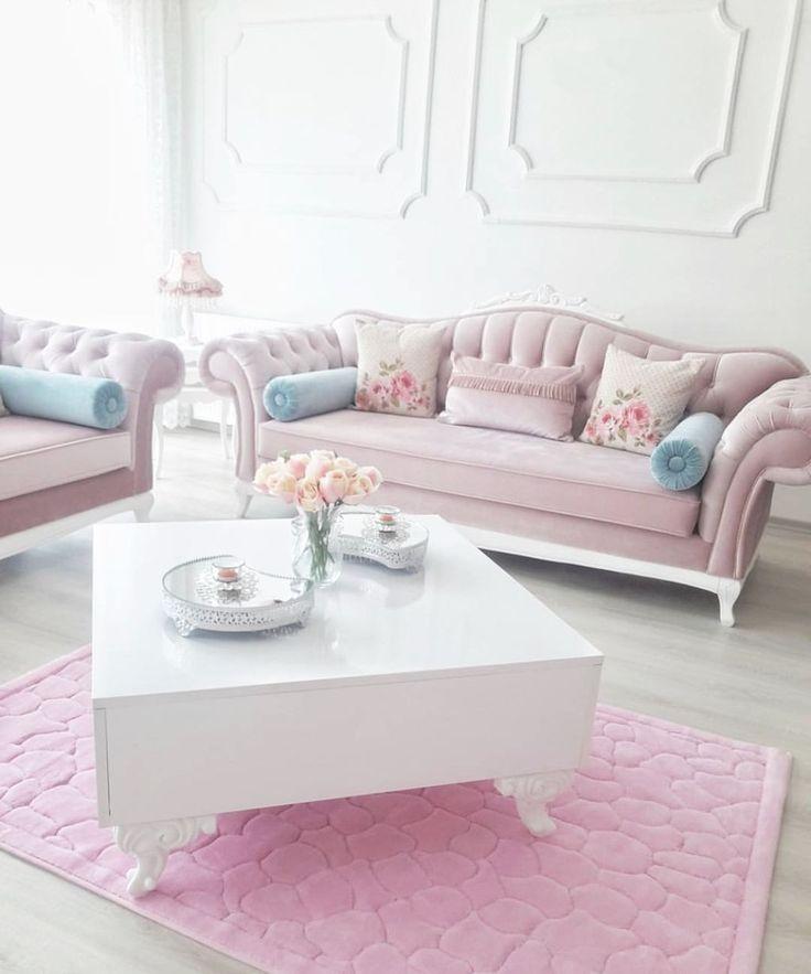 nice 57 Cozy Feminine Living Rooms Decoration Ideas  https://decoralink.com/2017/12/23/57-cozy-feminine-living-rooms-decoration-ideas/