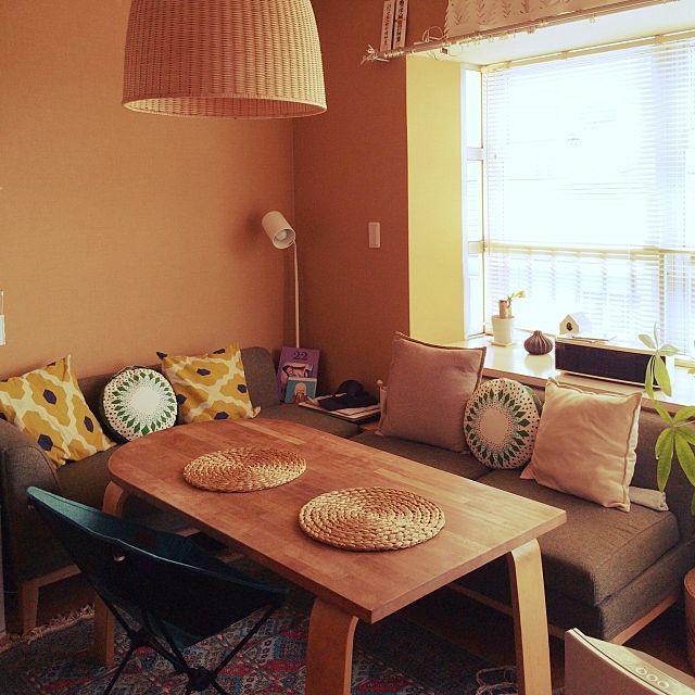 女性で、1LDKの照明/ニトリ/IKEA/ダイニングテーブル/リビングについてのインテリア実例を紹介。(この写真は 2015-05-02 10:08:50 に共有されました)