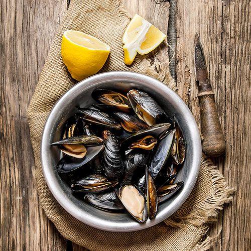 Overzicht van alle mosselen recepten, van Gordon Ramsay's mosselen recept tot mosselen met bier, uit de wok en op de barbecue. Bekijk ze allemaal op okokorecepten.nl.