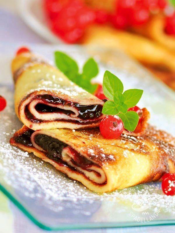 Crepes currant jam - Per ottenere delle Crepes alla confettura di ribes da veri chef occorre prima di tutto una padella adatta e ingredienti di buona qualità. Il gioco è fatto!
