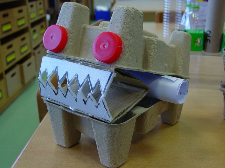Monster from recycled materials crafts big and small for Investigatory project recyclable materials