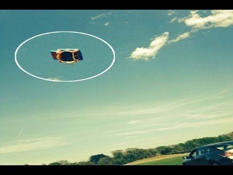 Castillo inflable vuela 15 metros con tres niños dentro » VoxPopulix.comVoxPopulix.com