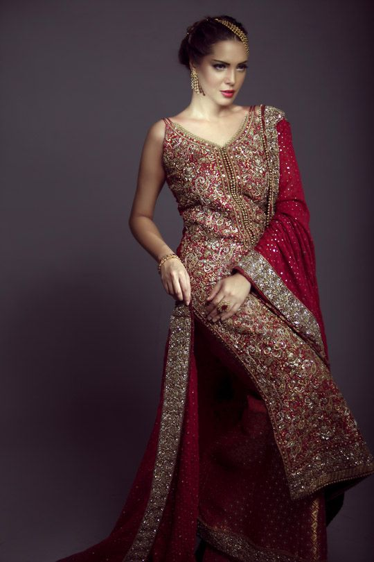 Following their recent Fall Bridal shoot featuring a blend of magnificent ivory trousseau ensembles with antique oxidized embellishments, Mifrahs releases a brand new luxury capsule for the winter …