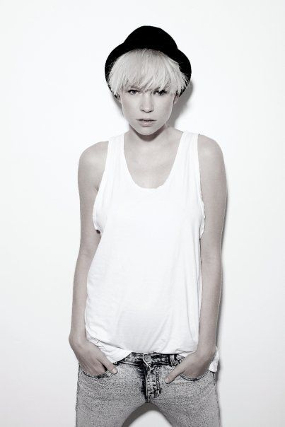 hat. androgynous. Love it.