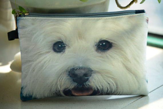 Pochette très pratique avec le visage de chien-verso impression. Il a polyester fermeture doublure et fermeture à glissière. Revêtement tissu, tête de