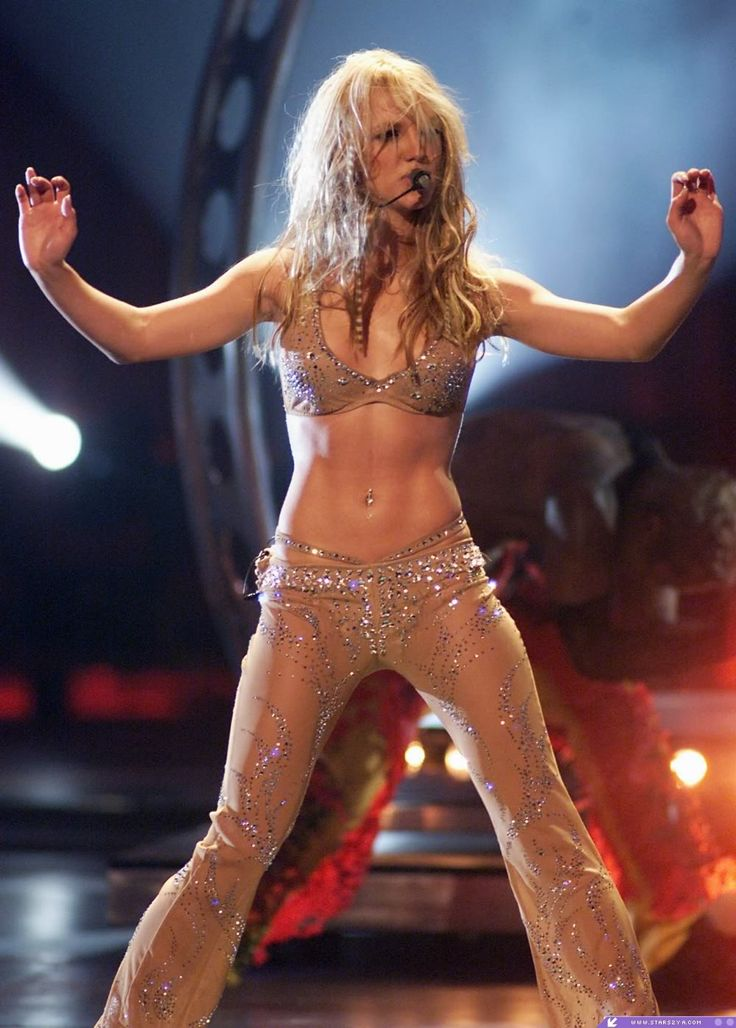 Britney Spears like dayum Ive yet to see a celeb look as good as she did I want her body:/