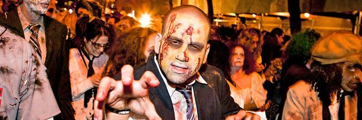 DISFRACES-EN-cena-de-HALLOWEEN-MADRID