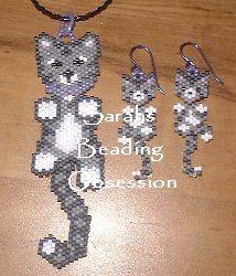 cat earrings & pendant - Wiggle Patterns! Podría adaptarlo y hacer algo tejido para mi nieta.