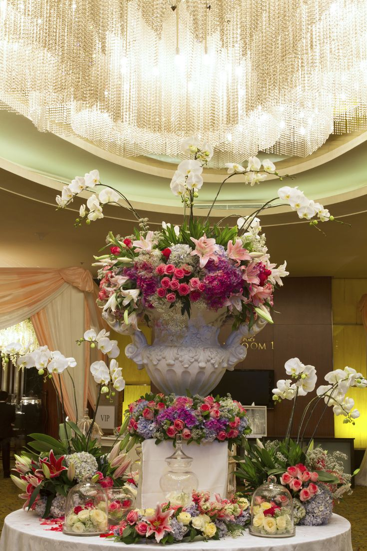 25 best wedding decor center piece images on pinterest wedding mawarprada dekorasi pernikahan wedding simplicity elegant decoration centrepiece junglespirit Image collections