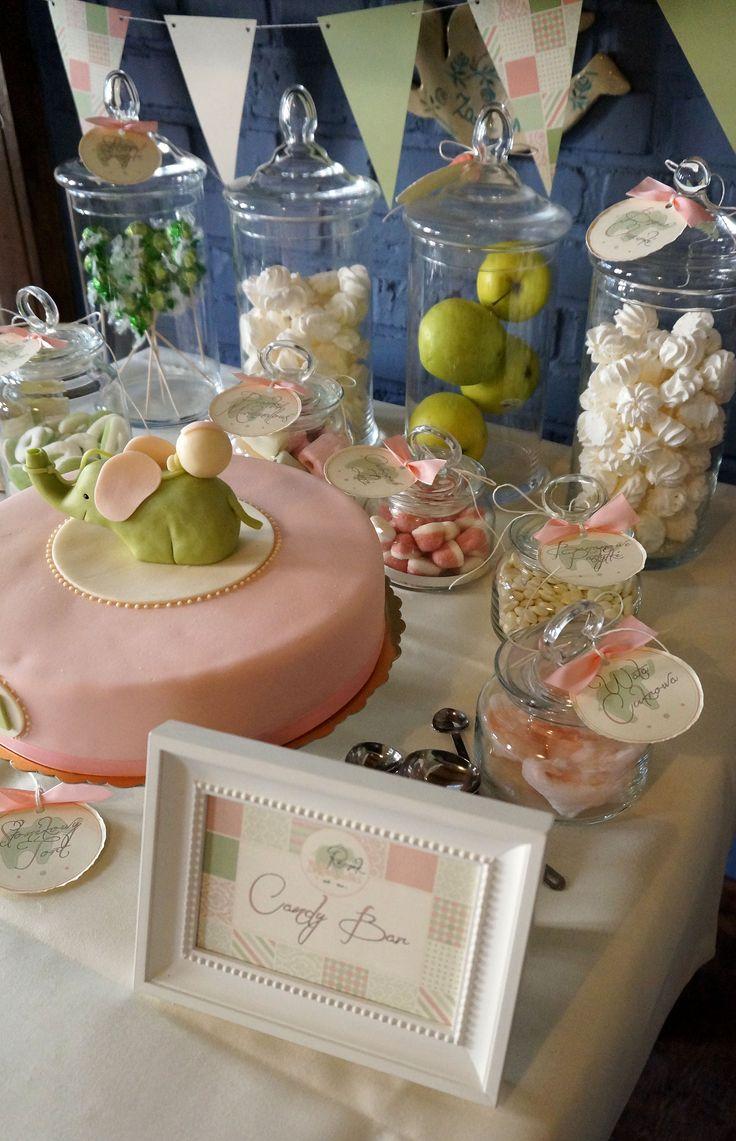 Wypożyczenie i dekoracja Candy Baru w kolorystyce pastelowej.