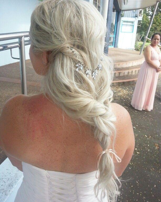 Bridal hair by me