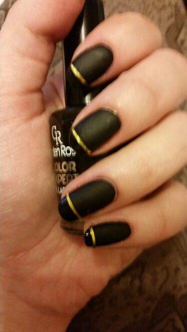 Black nail polish and matte top coat