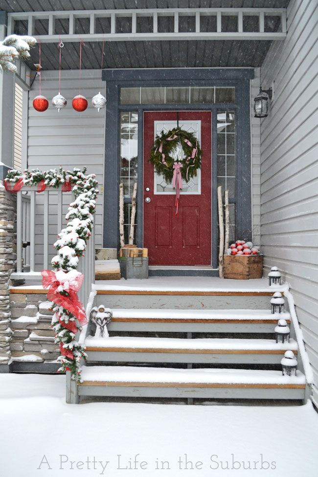 17 best ideas about christmas porch decorations on. Black Bedroom Furniture Sets. Home Design Ideas