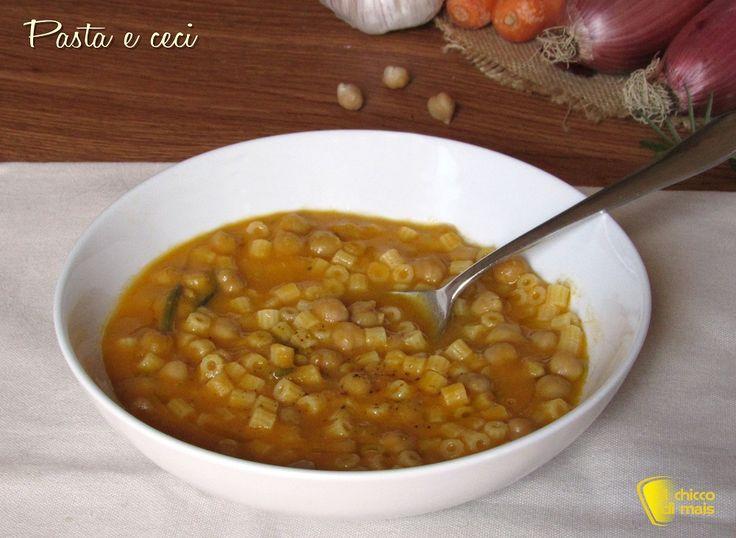 minestra di pasta e ceci cremosa densa ricetta invernale il chicco di mais