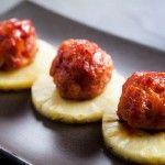 Peynirli Pirinç Köftesi: Glaze Hams, Cherries Glaze, Ball Recipes, Recipes With Cooking Hams, Recipes Appetizers, Hambal Recipes, Hams Ball, Pineapple Meatballs, Pineapple Glaze