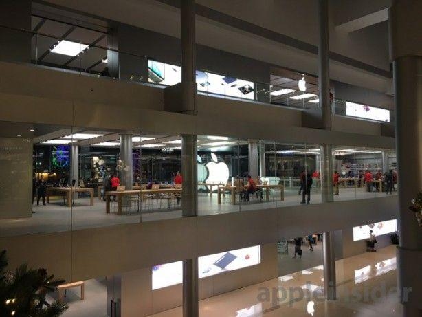 Aperto il terzo piano dellApple Store di Hong Kong