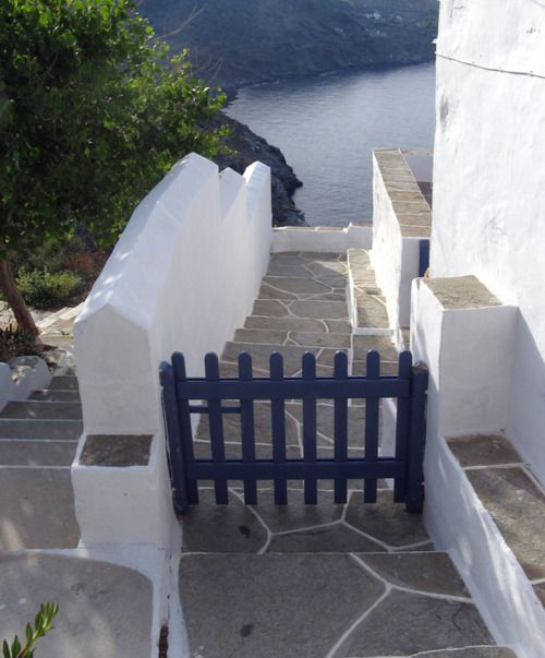 Gate to the sea ~ Kastro, Sifnos