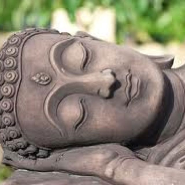 """""""Whenever you have a problem, take a few minutes to meditate. You'll be amazed at the renewed clarity that you'll bring to the issue.""""     ~ Azim Jamal & Brian Tracy  ॐ lis"""
