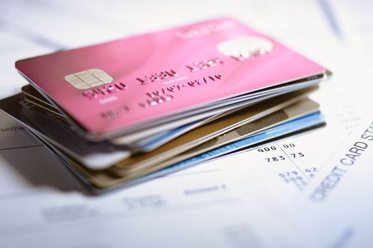 "Best & worst store credit cards according to racked.com -Target is an option for me: credit score required = ""fair"", only use at Target & target.com, free shipping, 5% off everything."
