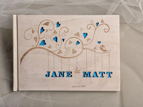Livre d'or de mariage personnalisé de bois, en bois, livre d'or de Bigz, Laser gravé, coeurs et oiseaux