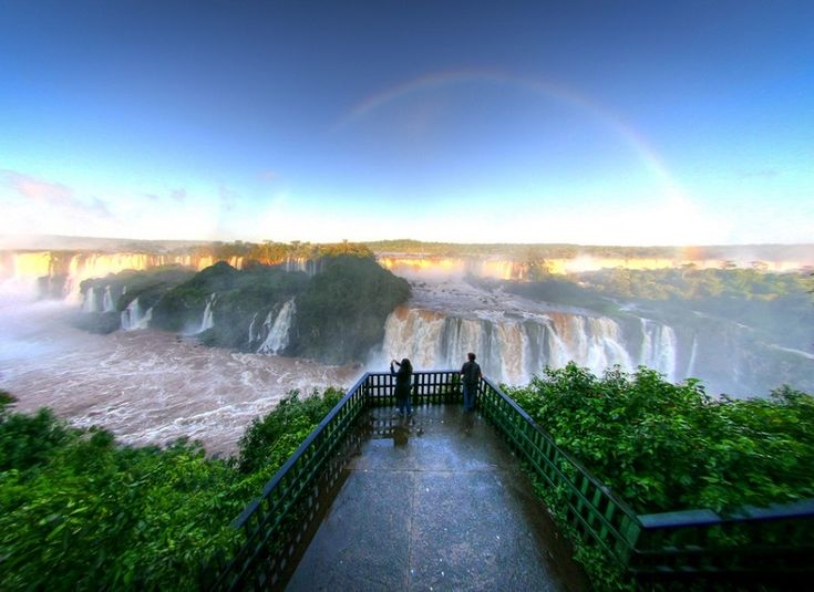 Водопады Игуасу на рассвете. Бразилия, Аргентина.