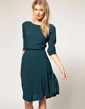 simple, chic, small dots