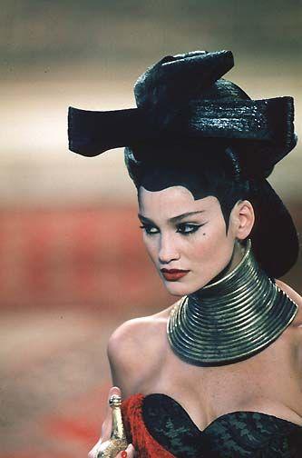 1997-98 - Mc Queen 4 Givenchy Couture show - Caroline Ribeiro