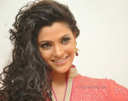 Saiyami Kher Height, Weight, Age, Wiki, Biography, Family, Boyfriend, Husband!  Saiyami Kher was born on 1992 in Nashik, Maharashtra, India. Her Age 26(as in 2018) years. Saiyami Kher was born into a Hindu family.  Her Father Name is Adwait Kher and Mother Name is Uttara Mhatre Kher. She is Unmarried. Her Boyfriend/Husband name is not …