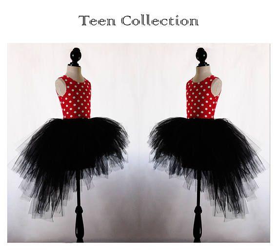 Tutú rojo o negro asimétrico para chica joven. Vestido de tul