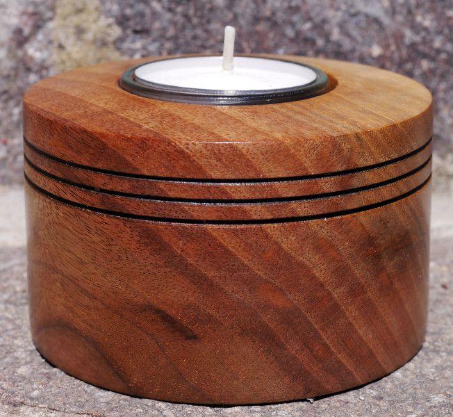 Kerzen - Kerzenhalter aus Walnußholz, gedrechselt - ein Designerstück von MaKaHiWoodandArt bei DaWanda