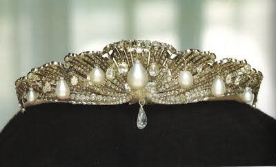 1867 Mellerio dits Meller tiara made for Queen Isabella II of Spain in the shape of a scallop shell set with diamonds, diamond briolettes, and pearls.