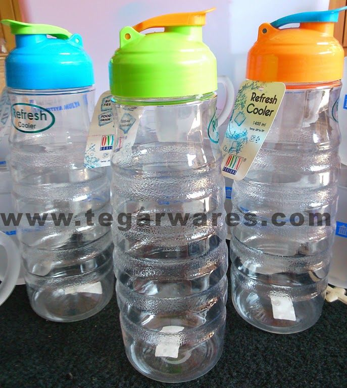 Onyx Cooler type Refresh 2 capacity of 1.5 liters Drinking bottles of 1.5 liter capacity is more appropriate to use as a container of drinking water in the refrigerator.